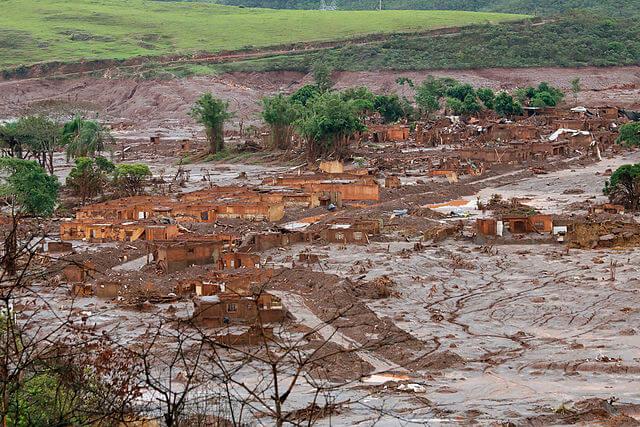 Der beim Dammbruch der Mine zerstörte Ort Bento Rodrigo bei Mariana
